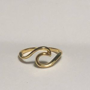 Jewelry - 925 Sterling Silver Gold Wave Ring
